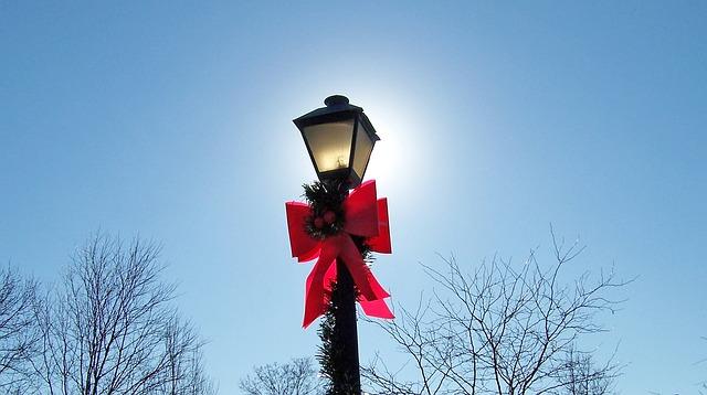 lamp-18696_640